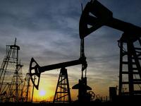 Вслед за Саудовской Аравией Катар снизил цены на нефть