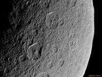 NASA сфотографировала спутник Сатурна