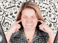 Почему мелодии «застревают» у человека в голове, выяснили ученые