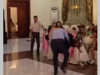 Видео с казахстанского тоя рассмешило пользователей Сети