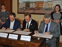 Во Львове внедрят бесконтактную оплату услуг городского транспорта
