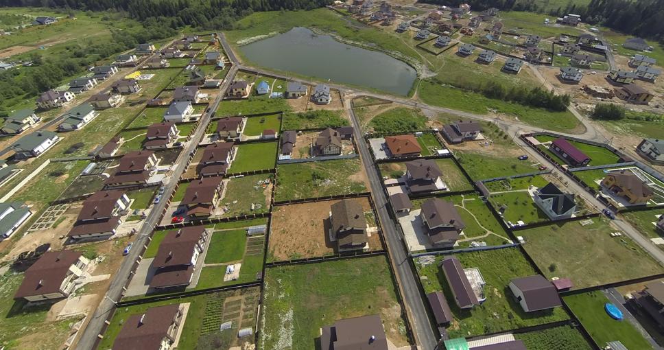 В поселке Истра Вилладж подходят к концу свободные коттеджи