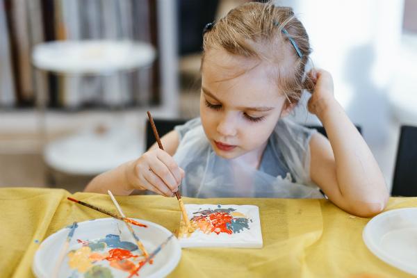 Взрослые и дети смогут научиться создавать подарки и новогодние украшения с 3 декабря на ВДНХ