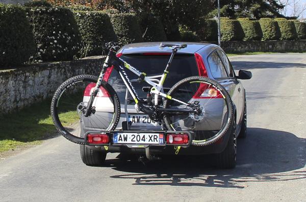 Крепление для велосипедов на фаркоп Buzzrack Spark 3